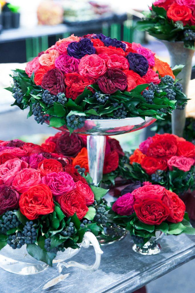 Coupes de compositions avec des roses préservées