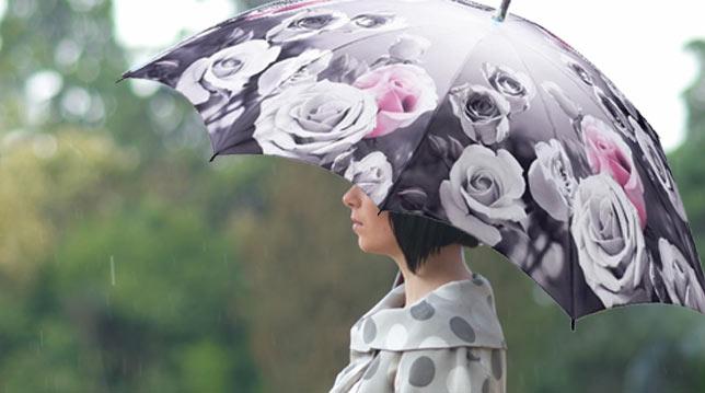 Parapluie avec motif de roses